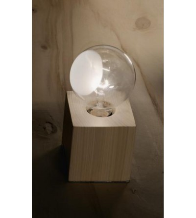 Vesoi lampa stolikowa CUBO